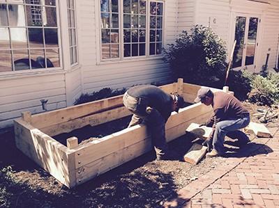 Building Yard2Kitchen organic edible garden