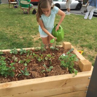 Kids love to garden, it is a great hobby and life Lesson to eating healthy! #organicgardening #organicgardens #organicveggies #raisedbedgardens #healthyfood#
